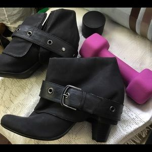 Decree 9M black cute ankle booties,